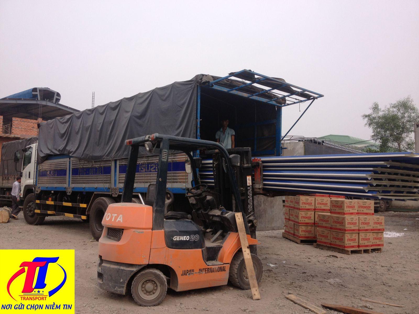 Xe 15 tấn của Trường Thịnh có thể vận chuyển các loại hàng hoá
